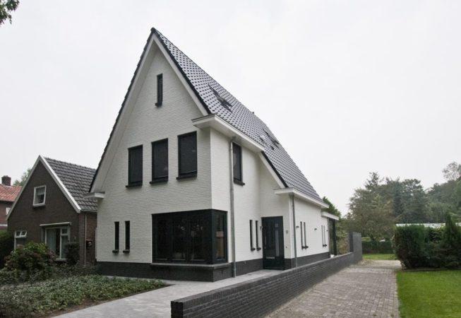 Witte woning te Raalte
